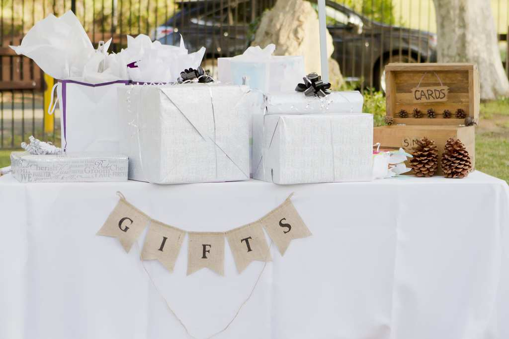 The Rules You Need To Know About Buying Wedding Gifts