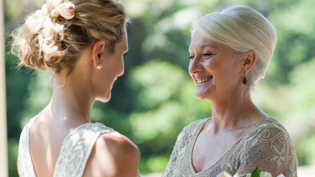 4 Tips For Mother-Of-The-Bride Accessories