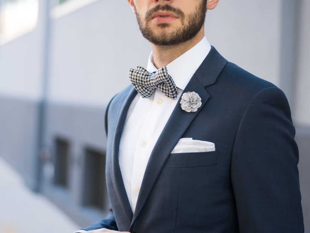 groom with a bowtie