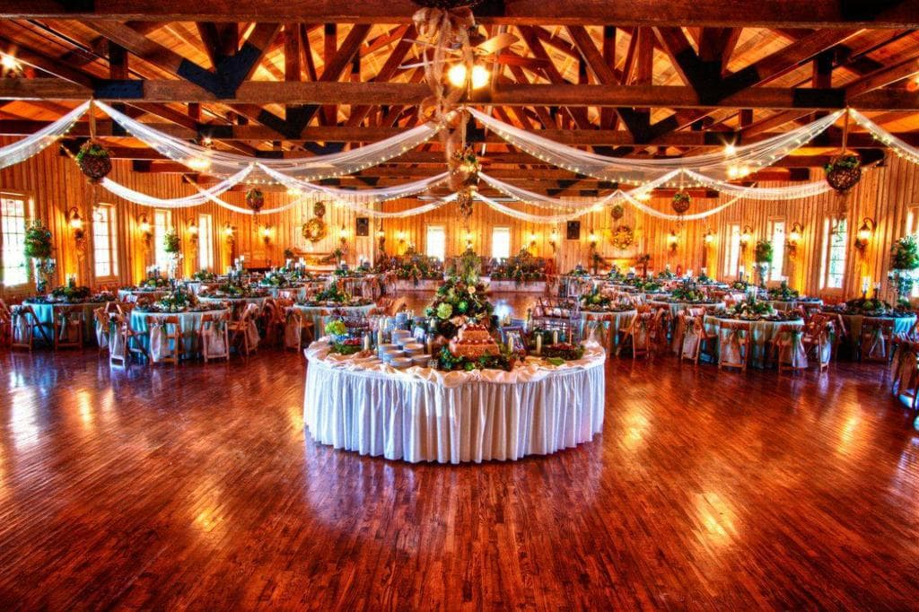 A 1950s-inspired wedding venue in a dance hall