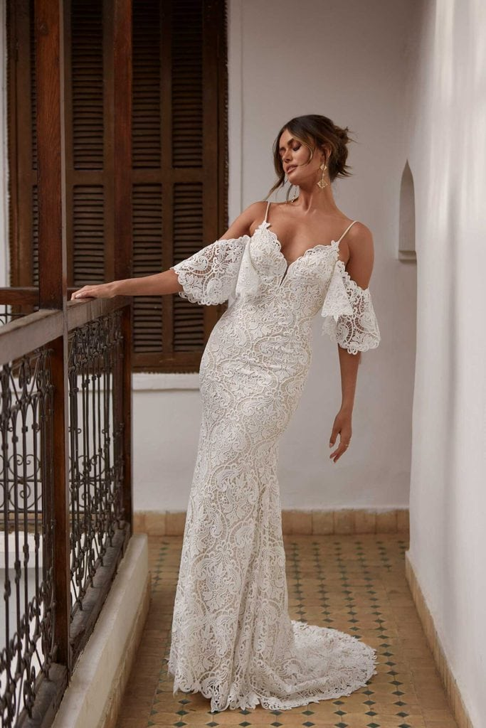 wedding dress with detatched sleeves