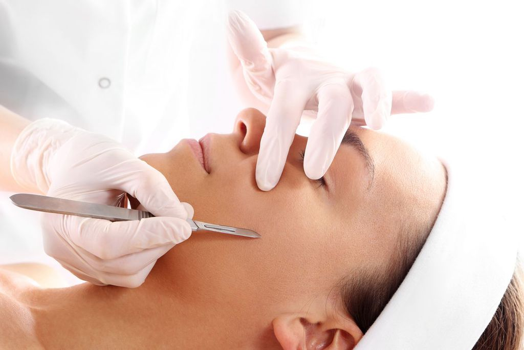 How Dermaplaning Gained Popularity